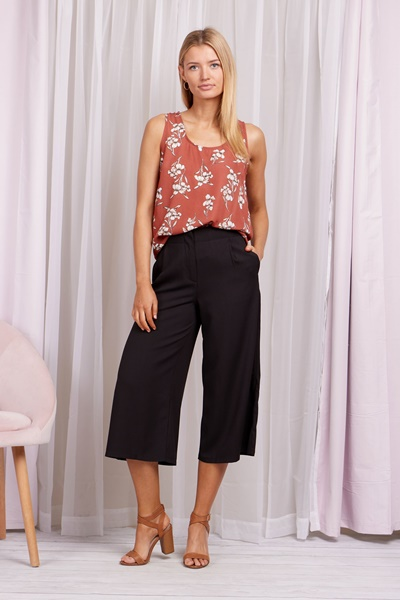 Ditsy Floral Shell Top