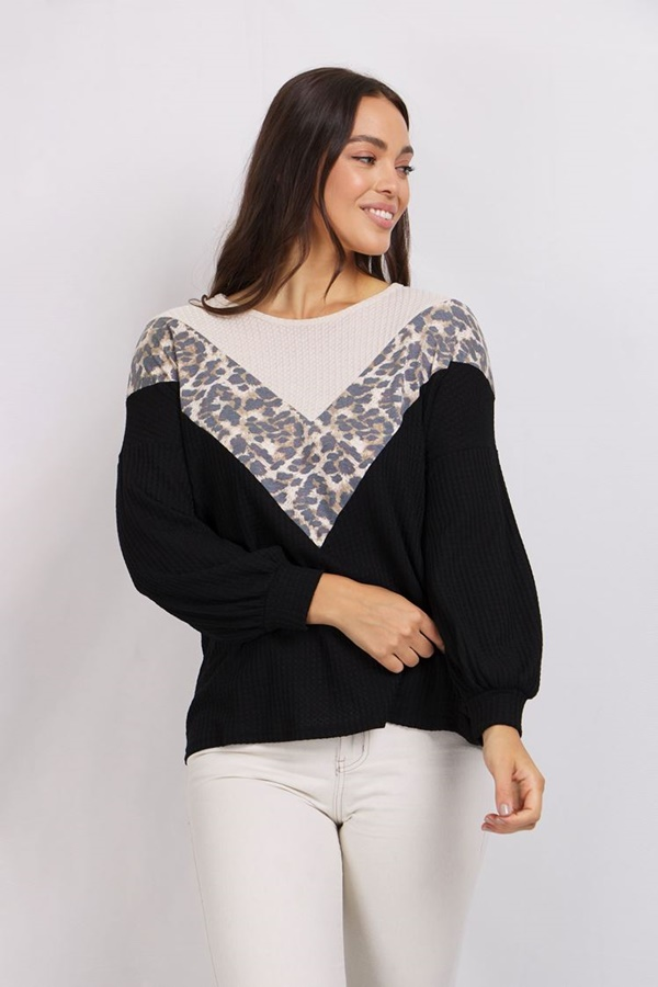 ANIMAL CHEVRON TOP