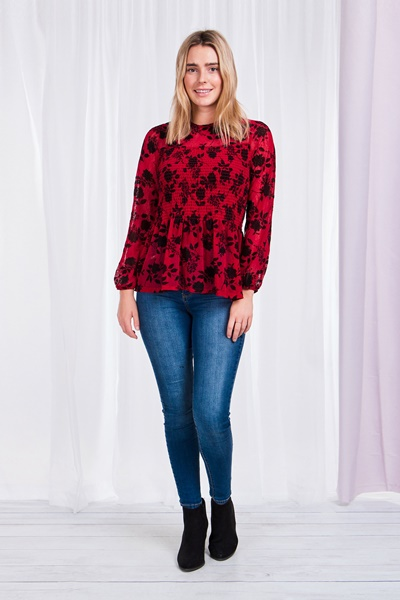 FLOCKING PRINT SHIRRED TOP