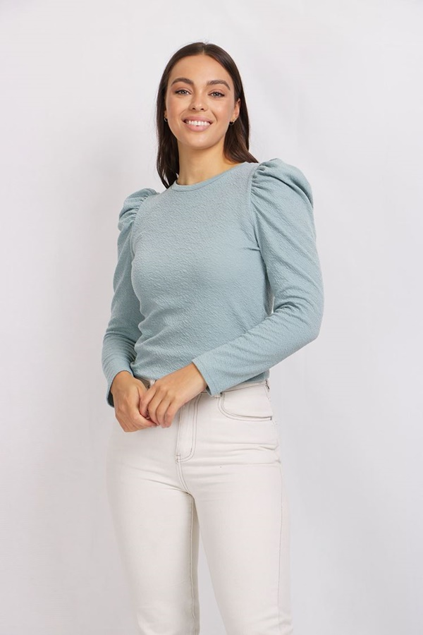 KNITTED TOP WITH PUFF SLEEVES