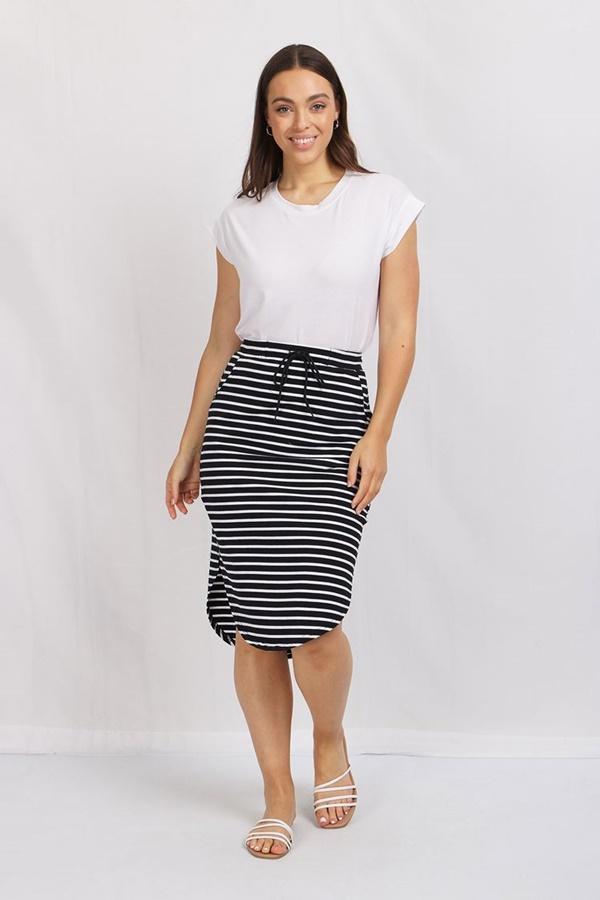Stripe Curve Hem Skirt